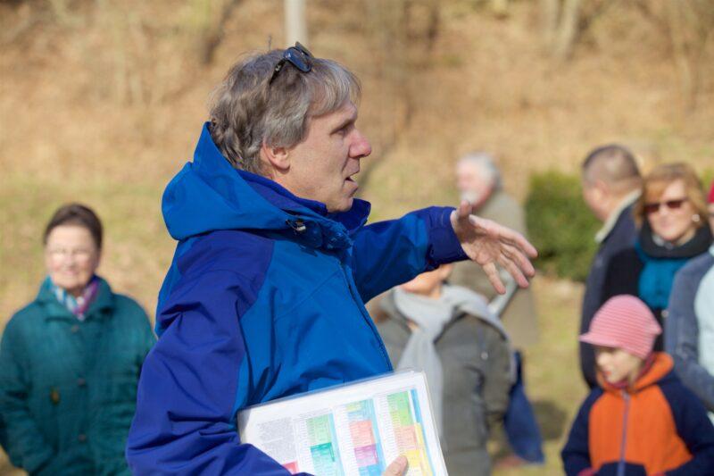paleontolog Kraft zahajuje okružní cestu
